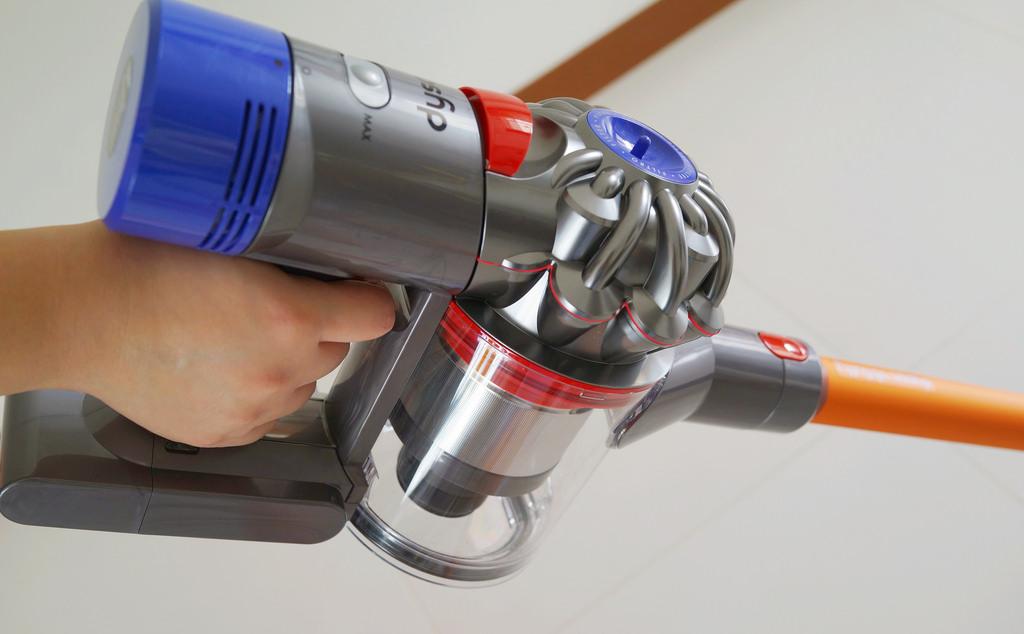 scopa elettrica senza fili con serbatoio estraibile